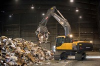 Volvo Waste Handler with Claw